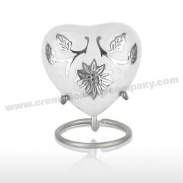 http://www.cremationurnscompany.com/1033-thickbox_default/white-lotus-flower-3inch-heart.jpg