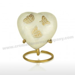 http://www.cremationurnscompany.com/1037-thickbox_default/pearl-butterfly-3inch-heart.jpg