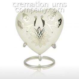 http://www.cremationurnscompany.com/1658-thickbox_default/pearl-lotus-flower-3inch-heart.jpg